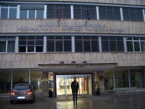 Sídlo Právnické fakulty, Rektorátu a Filozofické fakulty Univerzity Komenského v Bratislavě (nová část)